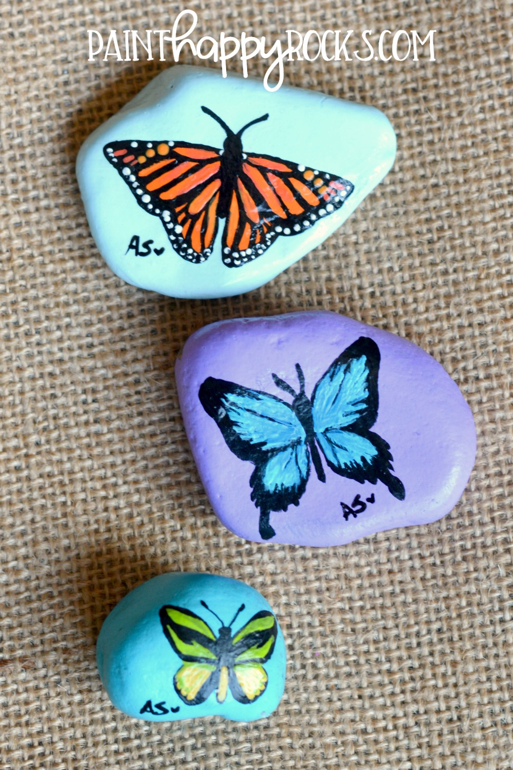 Rock Painting Ideas | Butterflies at painthappyrocks.com #PaintHappy Rocks #Painted Rocks #RockPainting